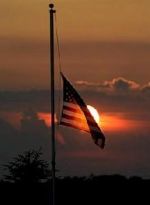US-Flag-capitol-half-staff-737281
